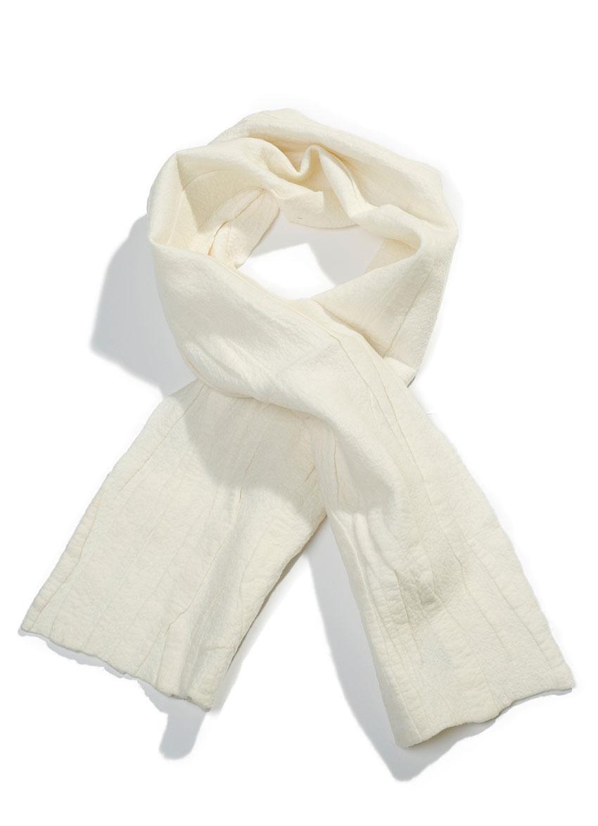 Escorial tørklæde – Creme. Det fineste og blødeste uld.