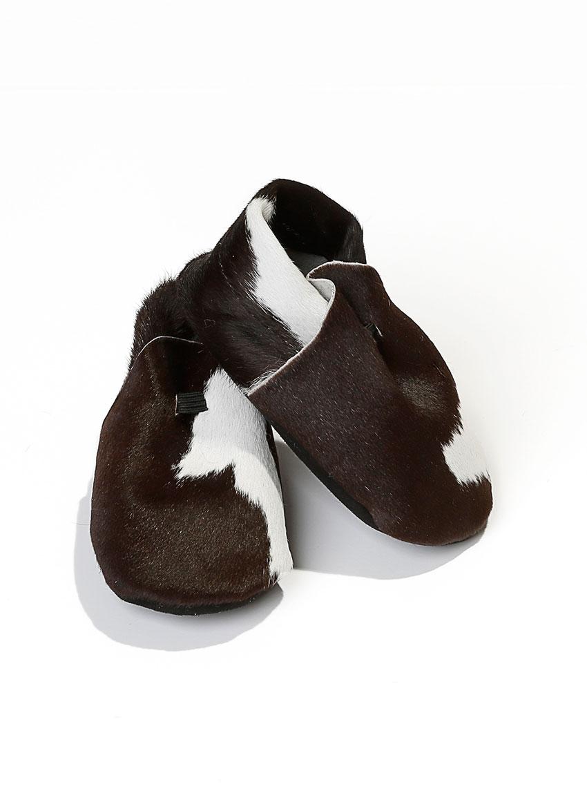 Baby sko i rent ku-skinn. Flere fargevarianter.
