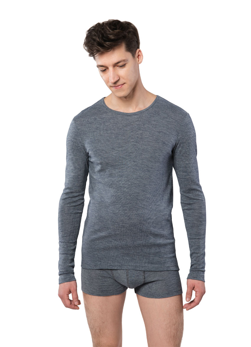 Long-sleeved men's underwear in wool and cotton